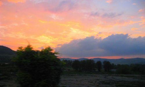 Zdjecie RUMUNIA / Transylwania / Transylwania / zachód słońca z okna autokaru