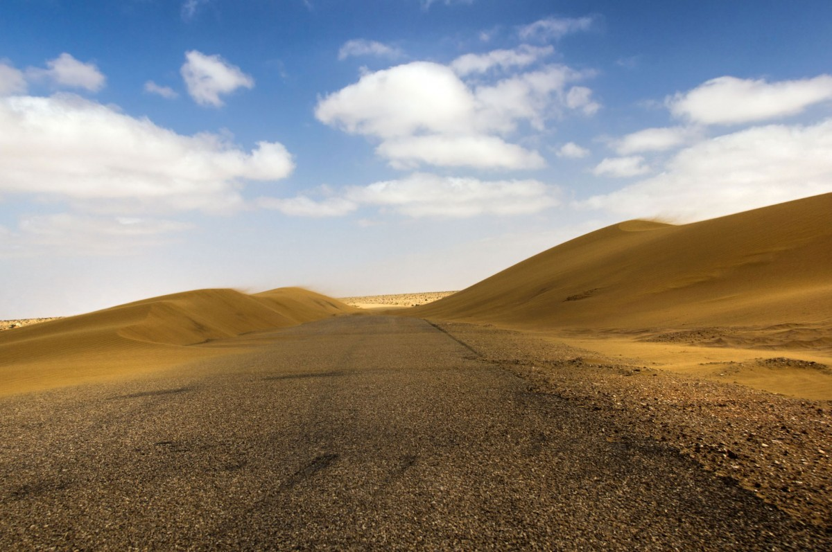 Zdjęcia: droga do El-Hagounia, Al-Ujun-As-Sakija al-Hamra, Asfaltowa droga, SAHARA ZACHODNIA