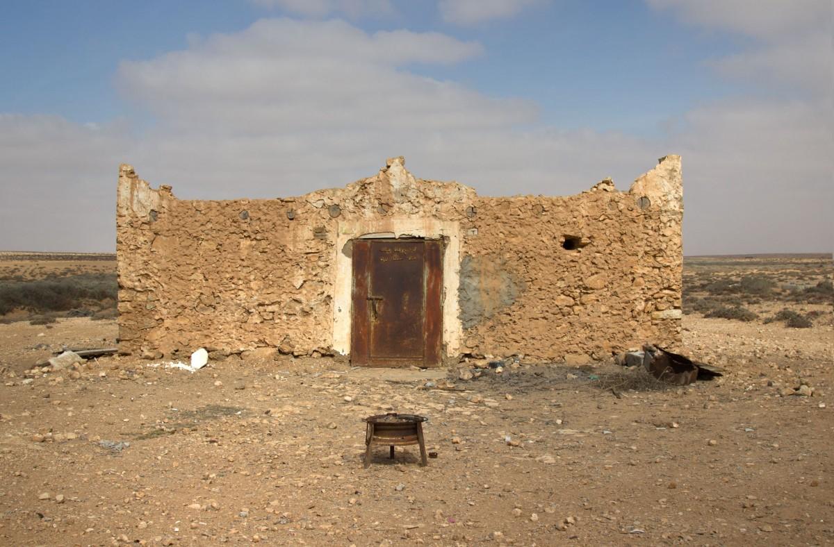 Zdjęcia: gdzieś po drodze, Al-Ujun-As-Sakija al-Hamra, Saharyjskie cmentarze, SAHARA ZACHODNIA