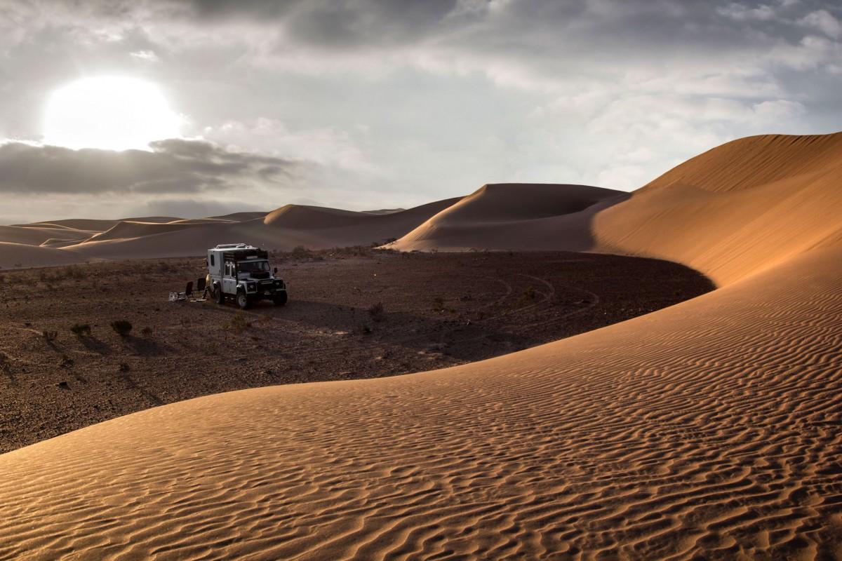 Zdjęcia: gdzieś w piaskach pustyni, Al-Ujun-As-Sakija al-Hamra, Wieczorową porą, SAHARA ZACHODNIA