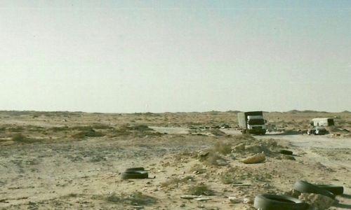 Zdjęcie SAHARA ZACHODNIA / Granica S.Z. Z Mauretanią / Guegarat / Są i takie granice