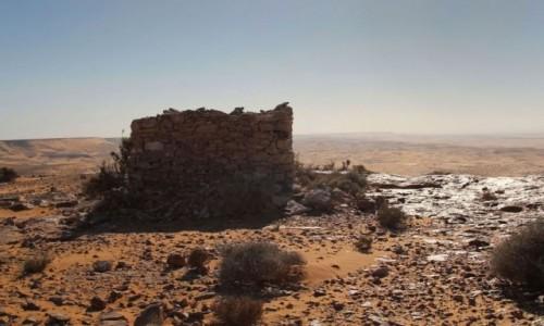 SAHARA ZACHODNIA / Saguia El Hamra / gdzieś w piaskach pustyni / Fort na saharyjskim klifie