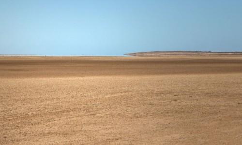 Zdjecie SAHARA ZACHODNIA / Ad-Dachla-Wadi az-Zahab / gdzieś po drodze / Woda na pustyni,czyli  fatamorgana