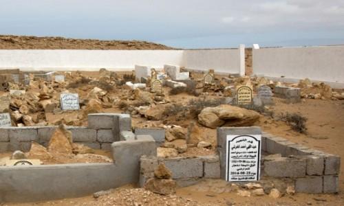 Zdjecie SAHARA ZACHODNIA / Al-Ujun-As-Sakija al-Hamra / gdzieś po drodze / Saharyjskie cmentarze