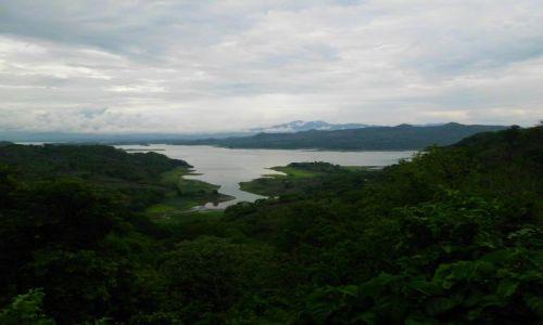 Zdjecie SALWADOR / Suchitoto / Lago Suchitlan / Po deszczu.