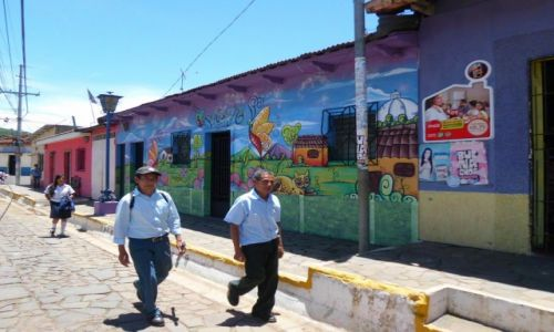 Zdjęcie SALWADOR / Ruta de las Flores / Concepción de Ataco / Graffiti w Ameryce Środkowej;-)