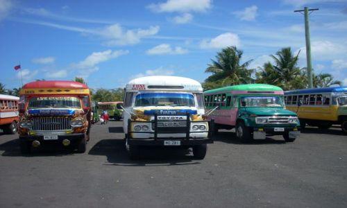 Zdjęcie SAMOA ZACHODNIE / Lalomanu / Samoa  / Cięzarówki przerobione na autobusy