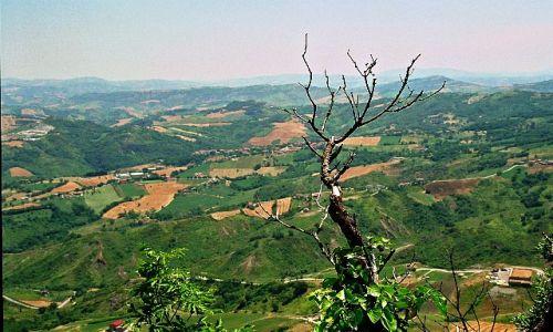 SAN MARINO / - / San Marino / Patrząc w dal ze szczytu