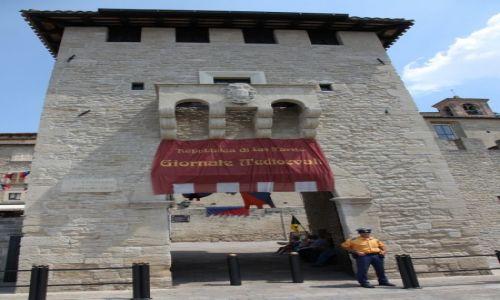 Zdjęcie SAN MARINO / San Marino / Rogatki miasta-państwa / Brama