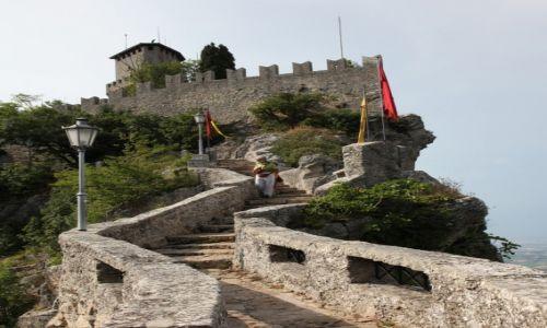Zdjęcie SAN MARINO / San Marino / Mount Titano / Droga na zamek