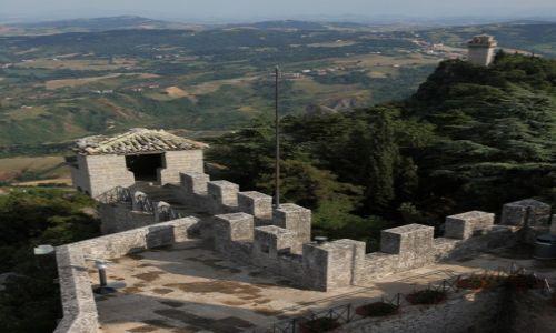 SAN MARINO / San Marino / Mount Titano / Z wieży na wieże
