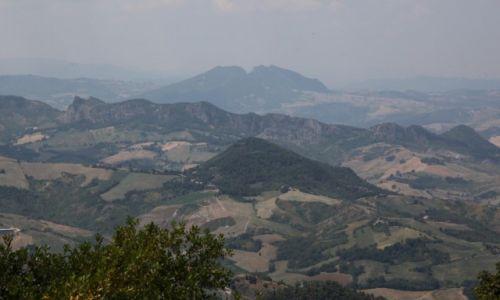 Zdjęcie SAN MARINO / San Marino / Mount Titano / Pagórkowata okolica