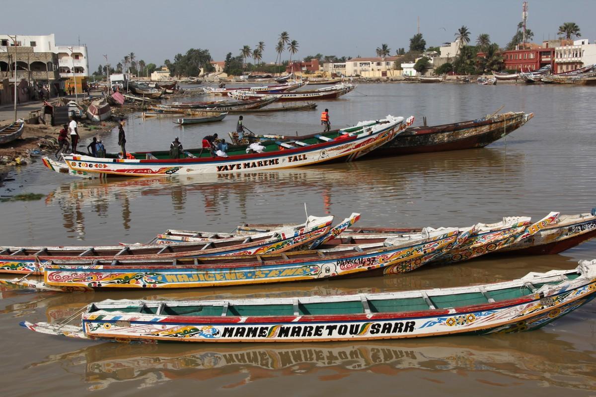 Zdjęcia: Saint Louis, Północny Senegal, Kolorowe łodzie, SENEGAL