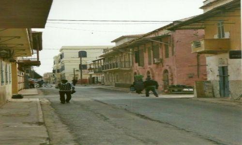 Zdjęcie SENEGAL / Płn. Senegal / Saint-Louis / Kolonialna ulica