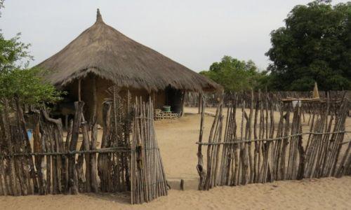 SENEGAL / Prowincja Casamance / Cap Skirring / Typowa zabudowa