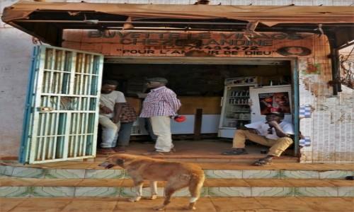 Zdjecie SENEGAL / Południowy wschód  / Kedougou / Sklep monopolowy
