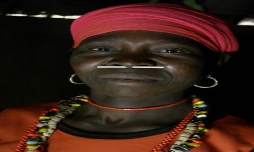 SENEGAL / Południowy wschód Senegalu / Wioska Iwol plemienia Bedik / Kobieta z plemienia Bedik