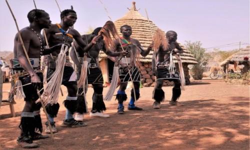 SENEGAL / Południowy wschód Senegalu / Wioska Bassari / Senegalscy supermeni