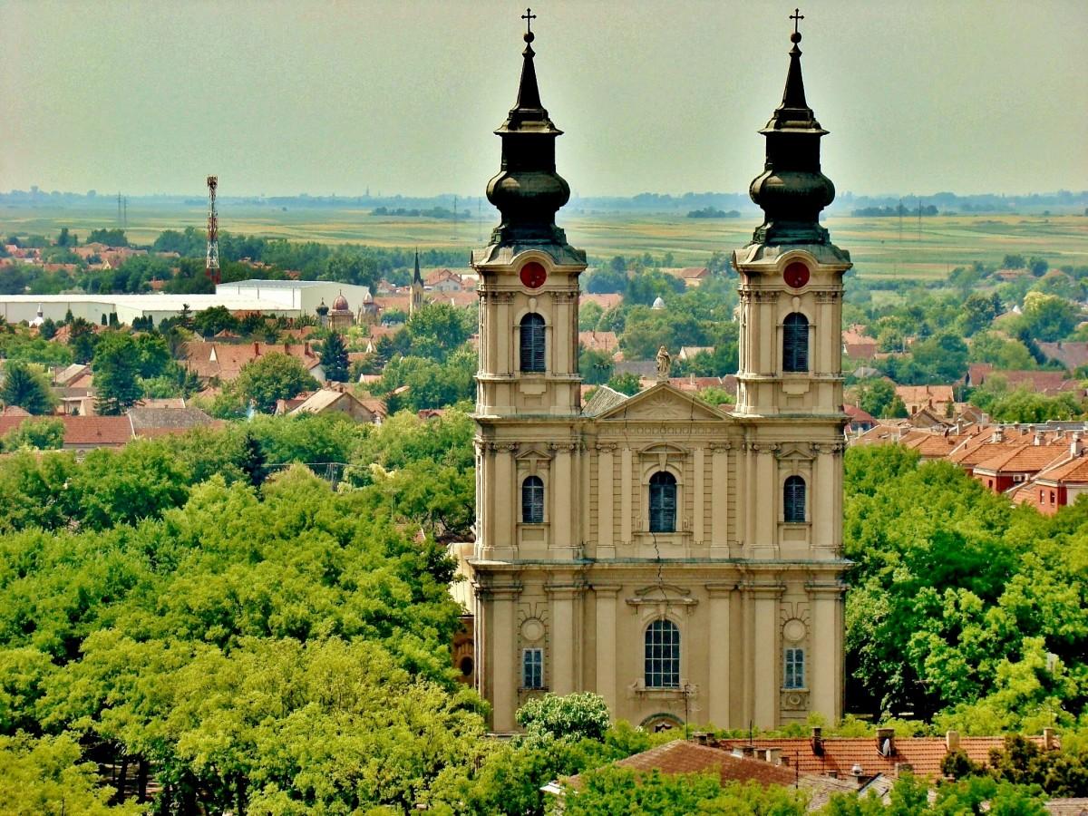 Zdjęcia: Subotica, Vojvodina, Subotica-katedra św.Teresy z XVIII wieku, SERBIA