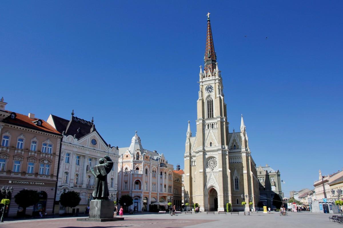 Zdjęcia: Nowy Sad, Wojwodina, Katedra rzymskokatolicka na placu Wolności, SERBIA