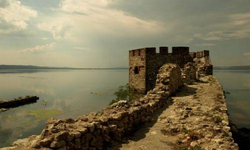 Zdjecie SERBIA / okręg braniczewski / twierdza Golubac / Nad brzegiem Dunaju