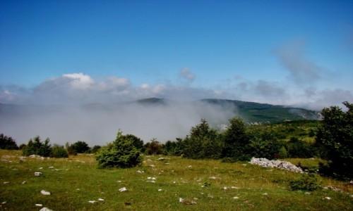 Zdjęcie SERBIA / płd.-zach.Serbia / Sjenica / Mgła nad kanionem rzeki Uvac