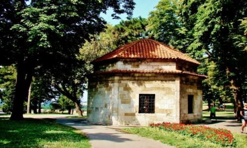 Zdjęcie SERBIA / - / Belgrad / Belgrad-grobowiec Damata Ali Paszy z XVIII wieku w twierdzy Kalemegdan