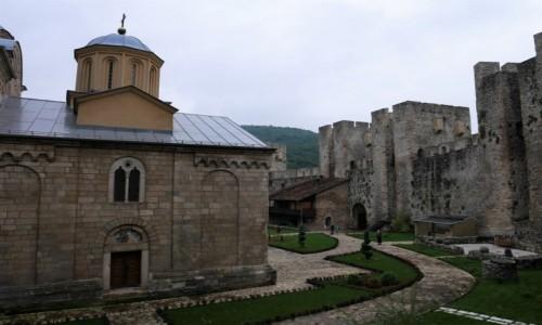 Zdjecie SERBIA / .. / Zespół Klasztorny Manasija / widok z połowy murów