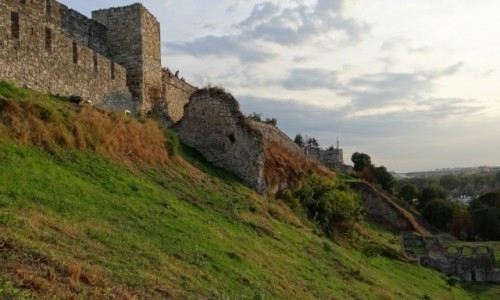 Zdjecie SERBIA / Belgrad / Kalemegdan / Wieczorne ruiny