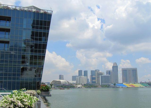 """Zdjęcia: nadbrzeże, Singapur, Krzywa """"wieża"""", SINGAPUR"""