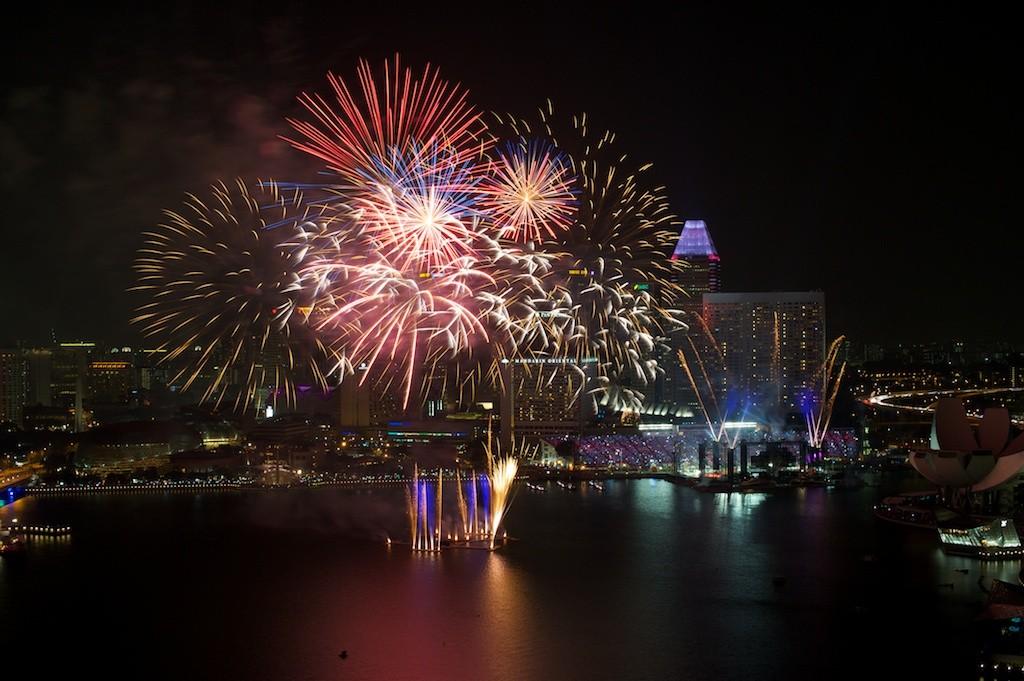 Zdjęcia: Singapore, Marina Bay, Konkurs - Spełnione Marzenia, Fajerwerki w Singapore, SINGAPUR