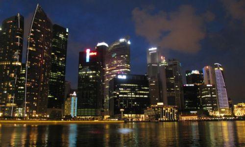 Zdjecie SINGAPUR / Singapur / Singapur / Singapur nocą-widok na miasto