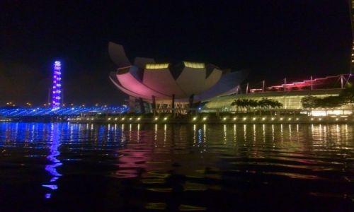 SINGAPUR / Singapur / Marina Bay / Nocny Singapur