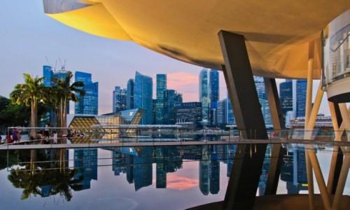 Zdjecie SINGAPUR / - / Marina Bay / Singapur widok od Marina Bay Sands w kierunku Meriliona