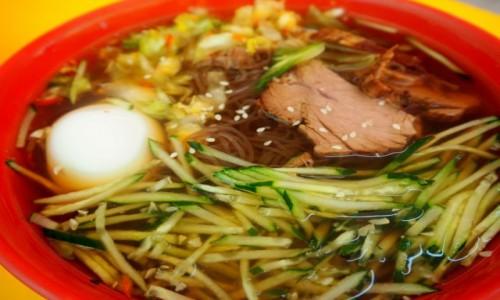 Zdjęcie SINGAPUR / płd -wsch Azja / Chinatown / Zupa na zimno z jajkiem  i ogórkiem