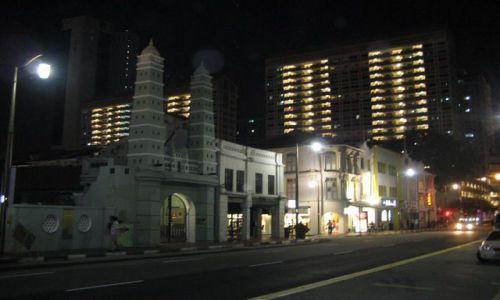 SINGAPUR / dzielnica chińska / uliczka / Dzielnica Chińska nocą