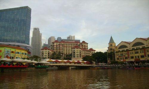 Zdjęcie SINGAPUR / Singapore / Singapore / widok z łódki płynącej po Singapore River