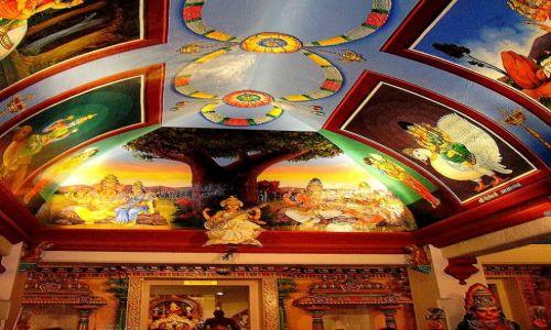 Zdjęcie SINGAPUR / Singapur / Singapore / pięknie zdobione wnętrze świątyni hinduskiej