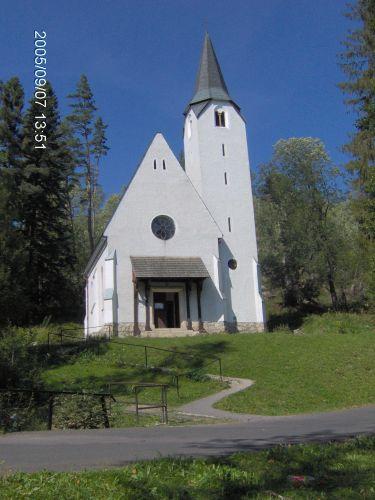 Zdjęcia: Tatrzańska Łomnica, Tatry słowackie, Biały Kościółek w Tatrzańskiej Łomnicy, SłOWACJA