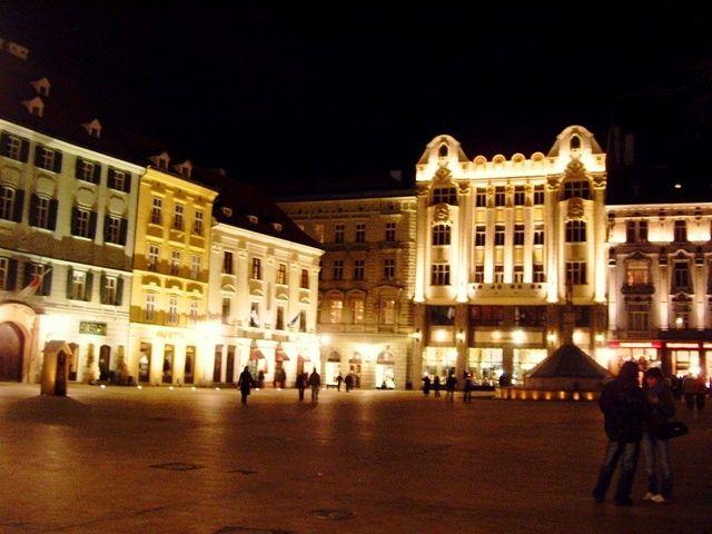 Zdjęcia: Bratysława, stare miasto, Bratysława po zmroku, SłOWACJA