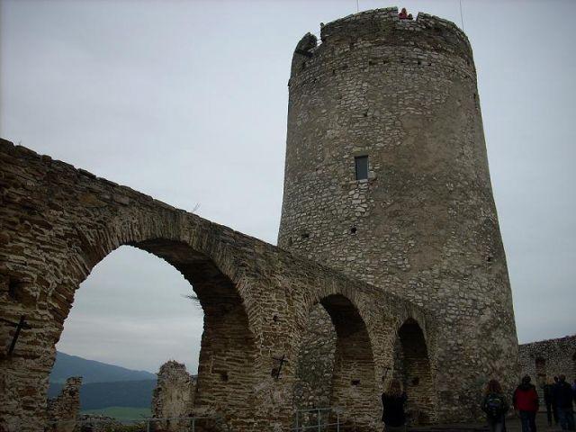 Zdjęcia: Zamek Spiski, Spisz, Wieża Spiskiego Hradu, SłOWACJA