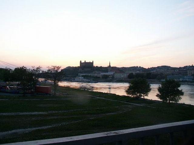 Zdj�cia: Bratys�awa, S�owacja Zachodnia, Dunaj, S�OWACJA