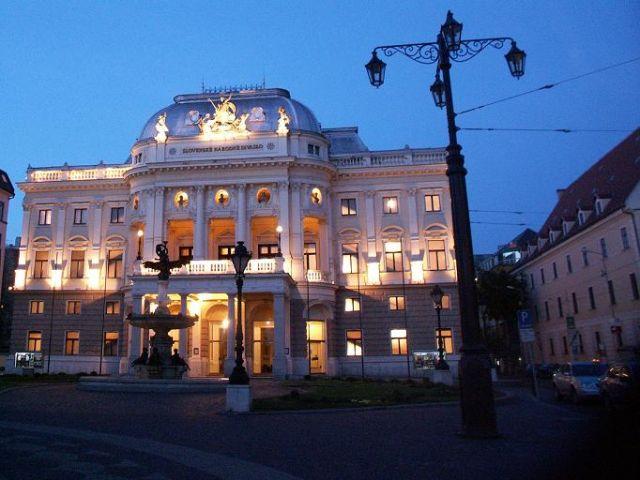 Zdj�cia: Bratys�awa, S�owacja Zachodnia, Teatr Narodowy, S�OWACJA