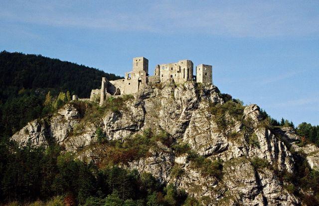 Zdjęcia: Strecno, dolina Wagu, pomiędzy Krivanską i Lucanską Fatrą, zamek, SłOWACJA