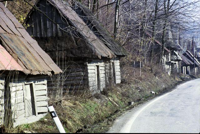 Zdjęcia: koło Żyliny, Słowacja, chałupy, SłOWACJA