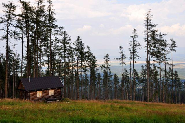 Zdjęcia: okolice kolejki na Łomnicę, Tatry, Domek w górach, SłOWACJA