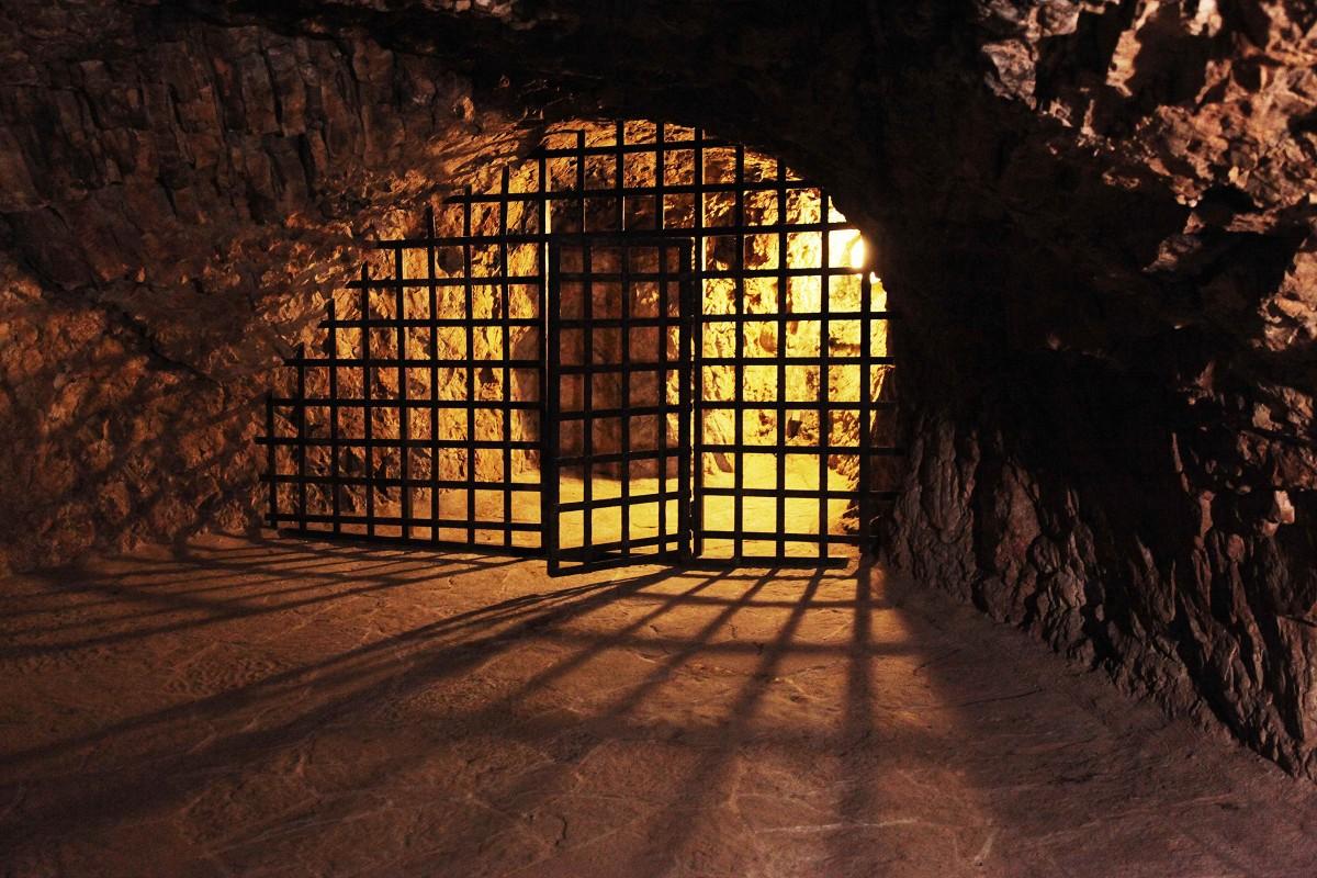 Zdjęcia: Zamek orawski, Orawa, Jaskinia zamkowa, SłOWACJA