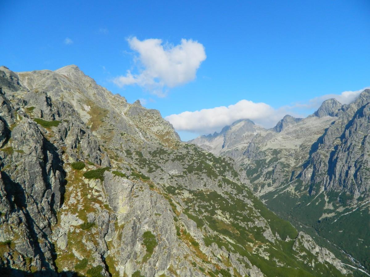 Zdjęcia: Szlak na Sławkowski Szczyt.,  Wysokie Tatry., Sławkowski  2452 m. ze szlaku., SłOWACJA