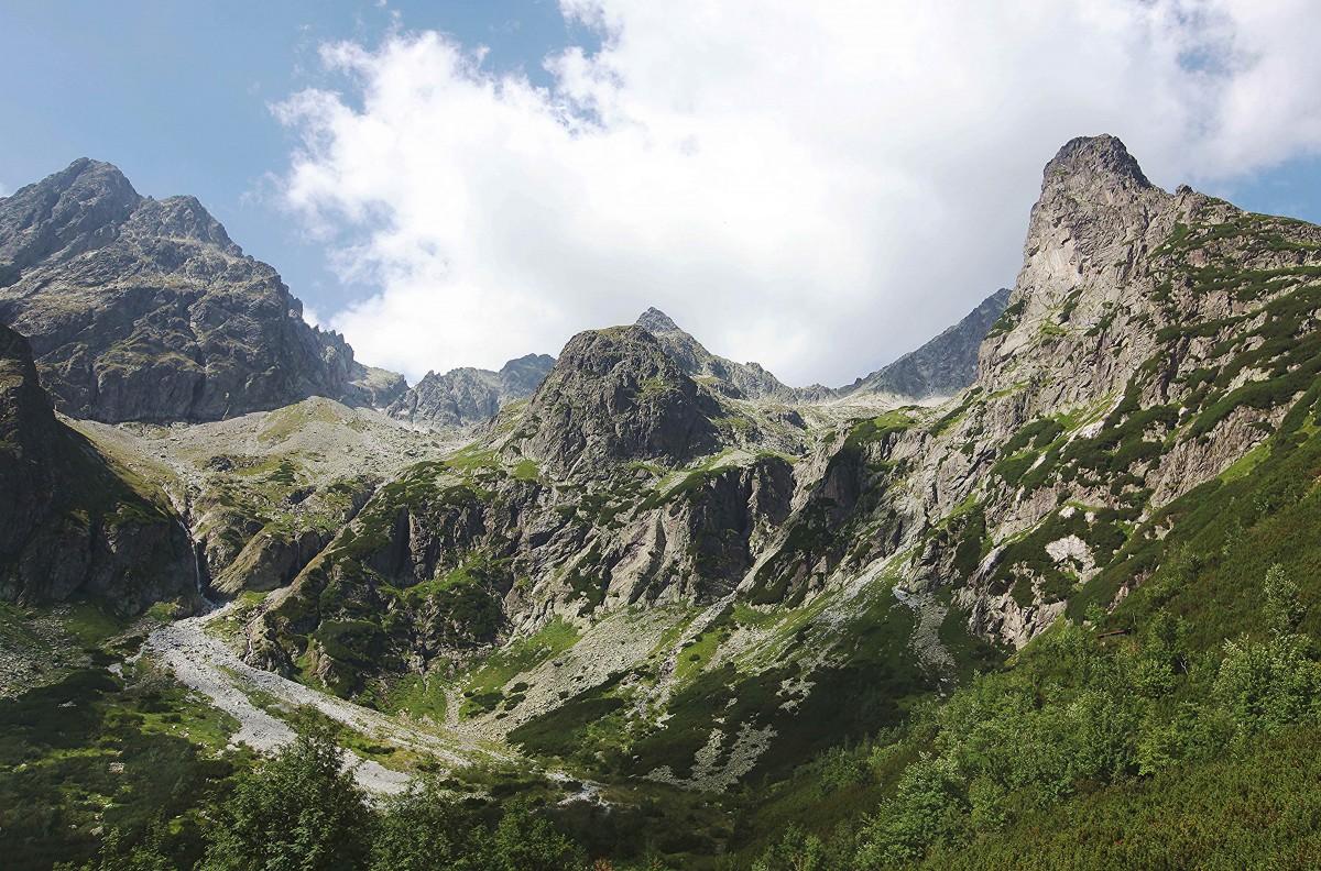 Zdjęcia: Zielony Staw Kieżmarski, Dolina Zielona Kieżmarska, (z lewej)Mały Kieżmarski Szczyt, (z prawej)Jastrzębia Turnia, SłOWACJA