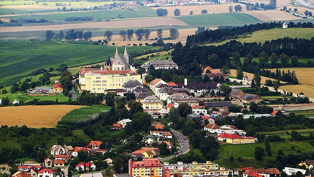 Zdjęcia: okolice Spiskiego Podgrodzia, Spisz, panorama Kapituły Spiskiej z zamku, SłOWACJA